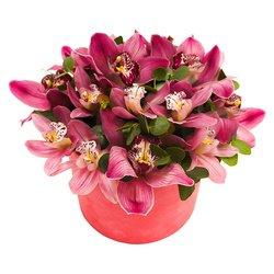 Шляпная коробка с розовыми орхидеями в Санкт-Петербурге