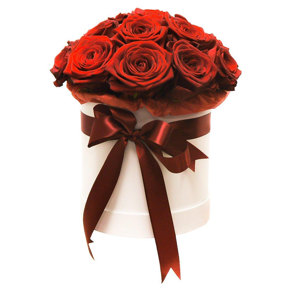 Розы в коробке: 17 алых роз в Санкт-Петербурге